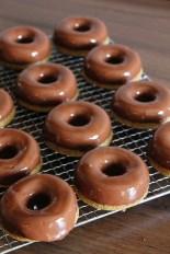 Vegan MOFO Day 5 - Chocolate Glazed Donuts   Donuts mit Schokoglasur