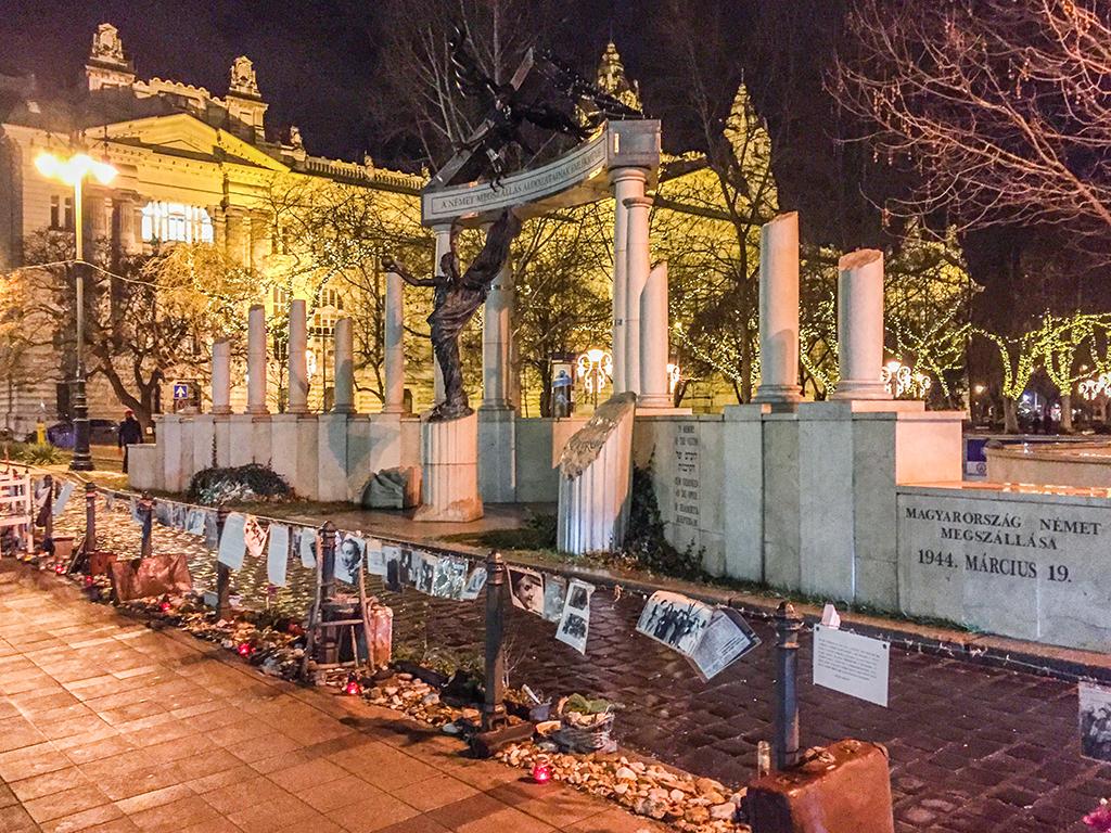 Szabadság tér giorno della memoria budapest monumento vivo olocausto