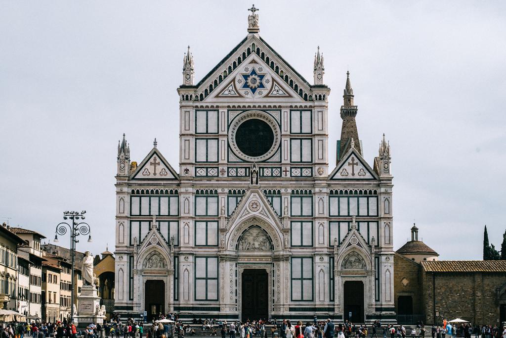 piazza basilica di santa croce a firenze move4ward travel blog di viaggi toscana weekend idee cosa vedere