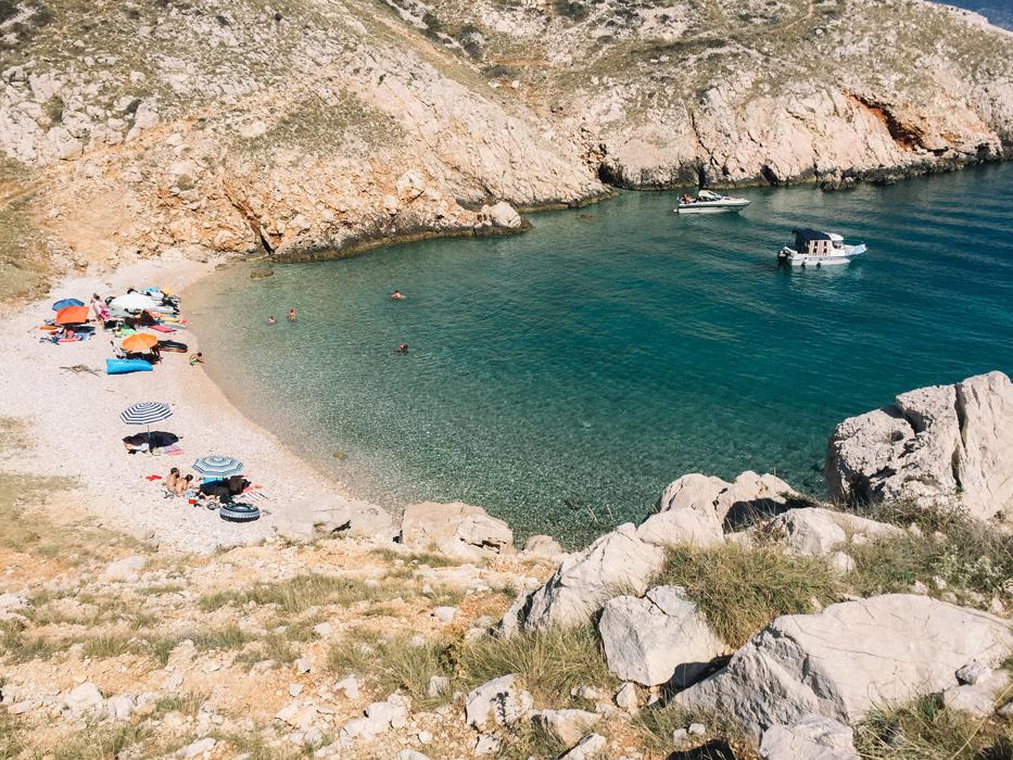 dubna spiaggia nascosta isola di krk croazia viaggio