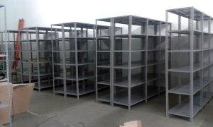 montagem-de-prateleiras-estantes-de-aco