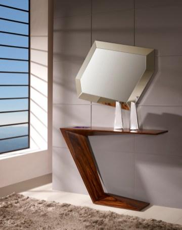 Consola em pau ferro. Peças de mobiliário que transformam os ambientes.