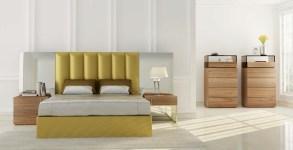 Cama Casal estofada com painéis de espelho com mobiliário em nogueira. Transforme o seu quarto num Quarto de Sonho!