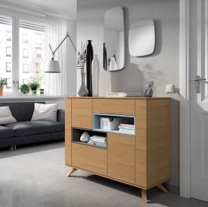 Sapateira em carvalho e lacado azul marinho. Peças de mobiliário que transformam os ambientes.