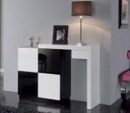Sapateira em lacado alto brilho branco e preto. Peças de mobiliário que transformam os ambientes.