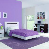 Quarto juvenil em pinho cor branco e chocolate. Personalizamos o nosso mobiliário, contacte-nos!