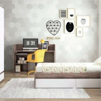 Convertível transformado em lacado branco e madeira. Visite-nos e conheça a nossa colecção de mobiliário para bebé!