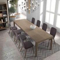 Mobiliário em Carvalho. Sala de jantar onde pode personalizar os acabamentos. Consulte-nos para encontrar a melhor solução para o seu espaço!