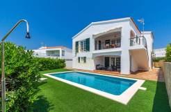 villa for sale in Cala Llonga Menorca