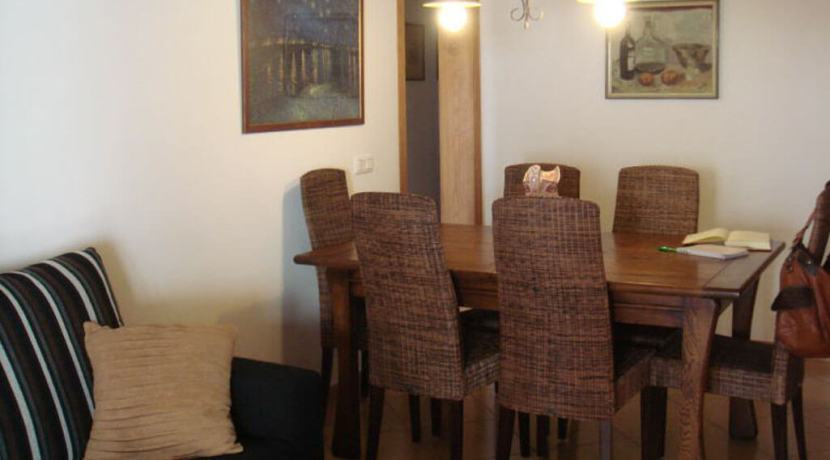 Apartment-dining2
