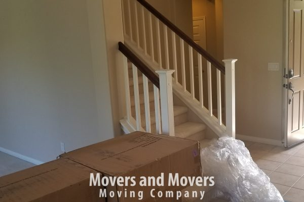 Picture of Movers and Movers has just arrived to the cutomer's drop off address