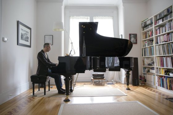 Marcus Kuchle at the piano