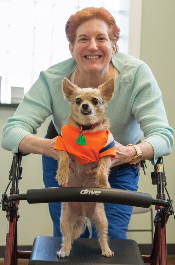 Valerie Lindsay and her dog Papito at the Pets In Need clinic