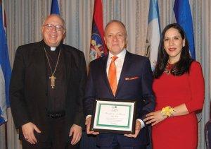 Bishop Joseph R. Binzer, honoree Jose Nine and Su Casa director Giovanna Alvarez at last year's dinner