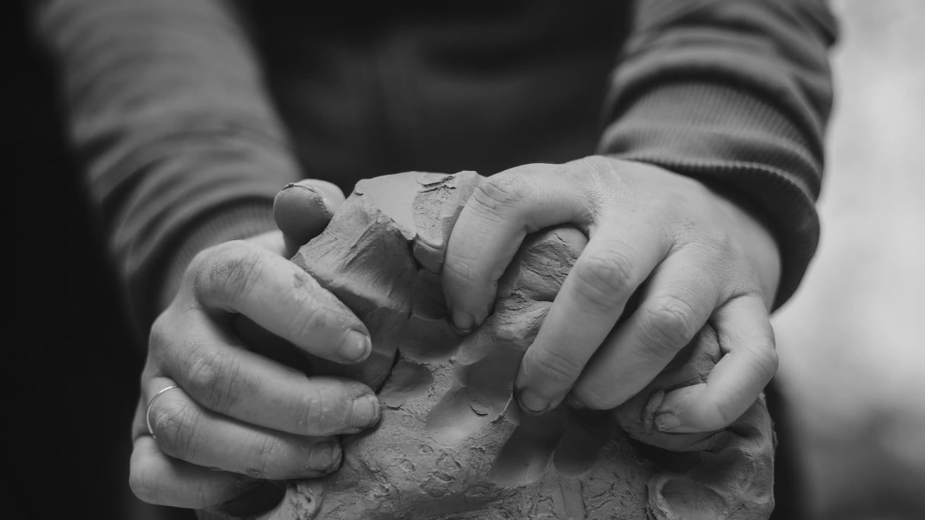 potters hands - Image by Jutta Einhaus from Pixabay