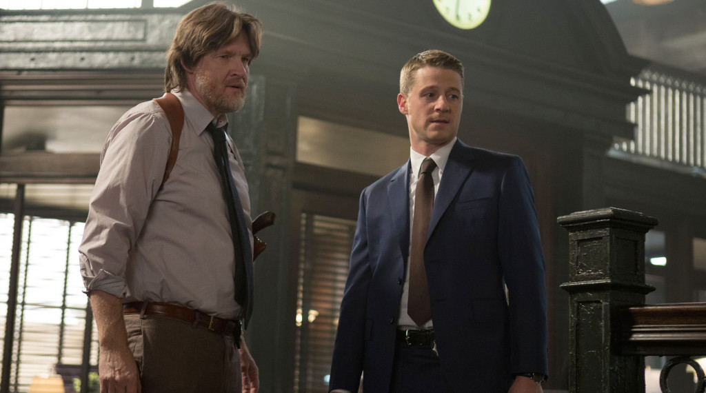 http://www.gothamsite.com/wp-content/gallery/welcome-back/Gotham-ep113_scn23_20942_hires1.jpg