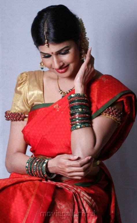 Tamil Actress Hot Saree photos