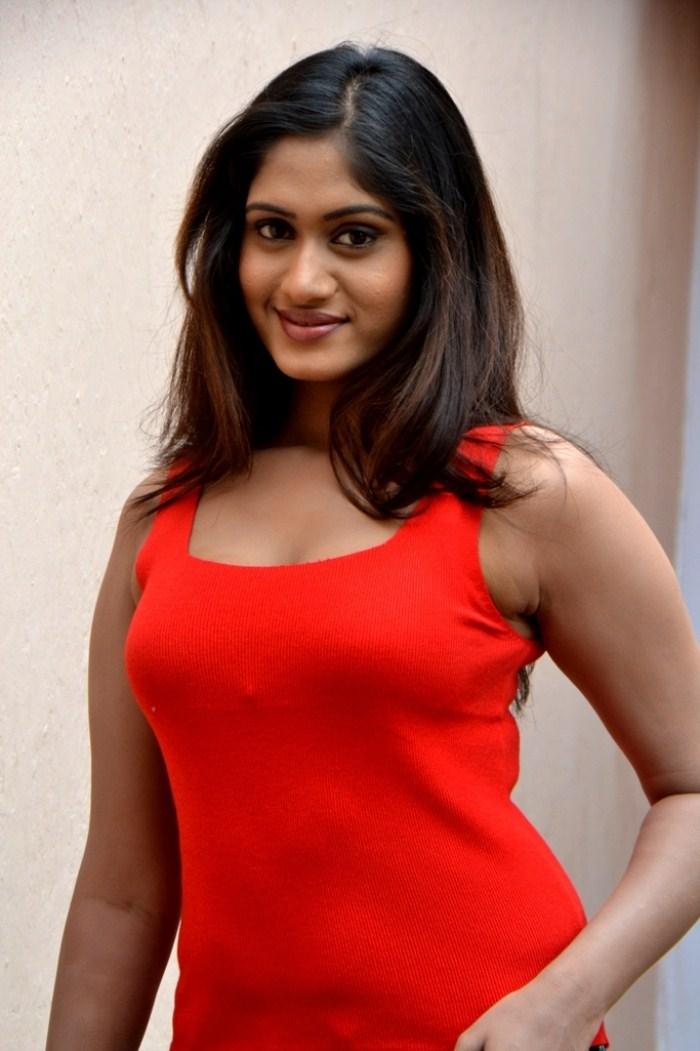 சினிதுளிகள்- குங்குமம் Lavanya_tamil_actress_hot_stills_1598