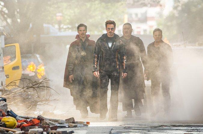 Tony Stark, Dr Strange and Bruce Banner in Avengers Infinity War