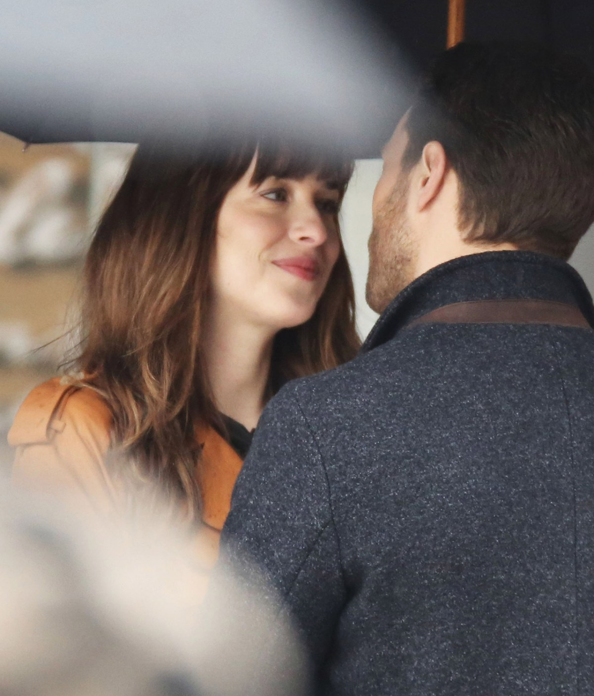 1500_dakota_johnson_jamie_dornan_51984501_FFN_030116