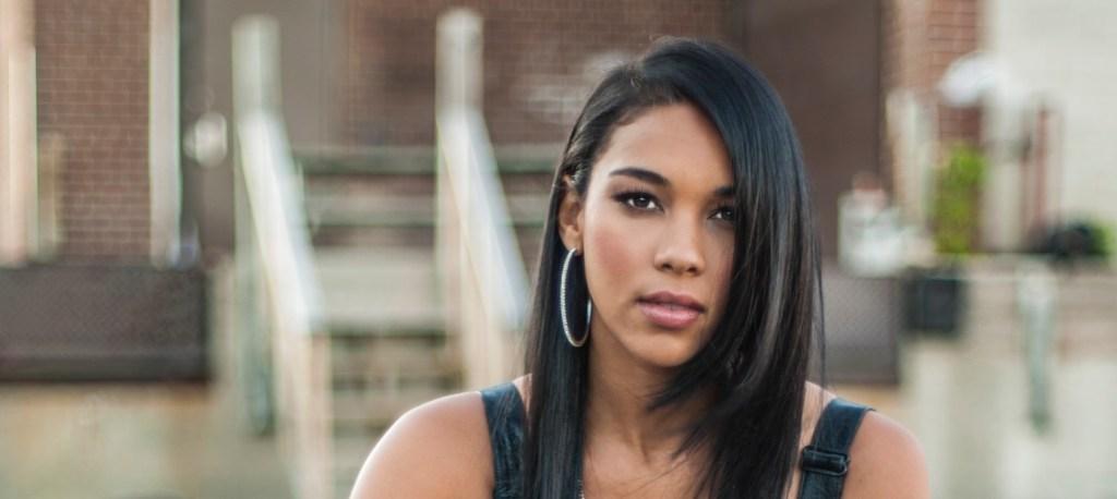 Alexandra-Shipp-Aaliyah-Featured