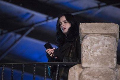 Jessica Jones: una foto della protagonista Krysten Ritter