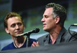 SAN DIEGO, CA - JULY 22: Actors Tom Hiddleston (L) and Mark Ruffalo from Marvel Studios' 'Thor: Ragnarok' at the San Diego Comic-Con International 2017 Marvel Studios Panel in Hall H on July 22, 2017 in San Diego, California. (Photo by Alberto E. Rodriguez/Getty Images for Disney) *** Local Caption *** Tom Hiddleston; Mark Ruffalo