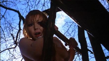brigitte-skay-in-una-scena-del-film-horror-reazione-a-catena-1971-161798
