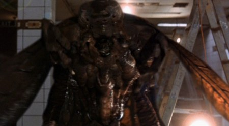 Mimic-movie-film-sci-fi-sci-fi-horror-mutant-insect-1997-review-reviews-Judas-bug