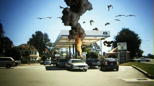 birdemic-gas-station