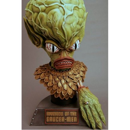 invasion of the saucer men bust figure