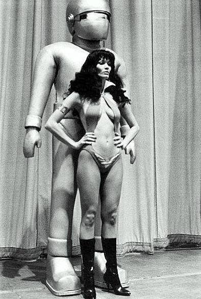 gort and vampirella 1975