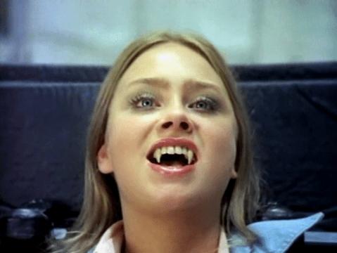 Linda-Hayden-Vampira-Old-Dracula-1974