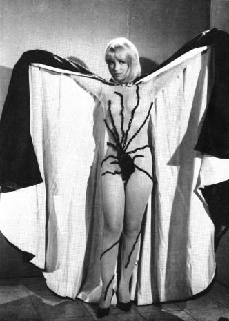 miss-muerte-spider-costume1
