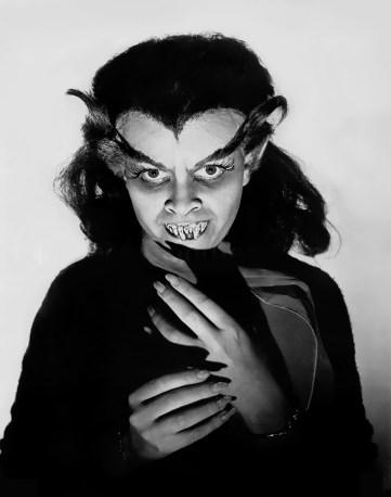 Sandra-Harrison-in-Blood-of-Dracula-1957