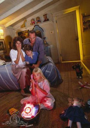 Poltergeist-II-family-Freeling-image