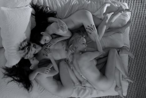 She-Wolf-Mujer-lobo-2013-foursome