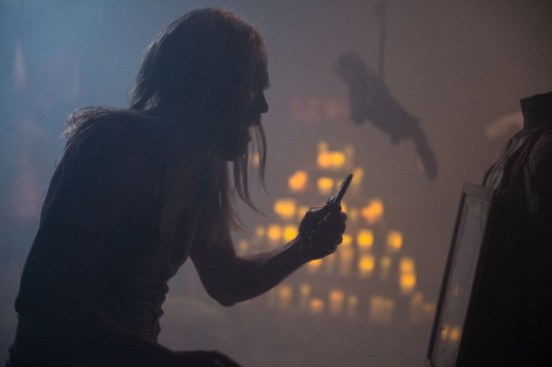 Minutes-to-Midnight-Bill-Moseley-610x406
