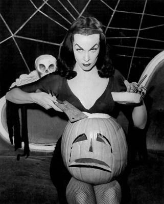 Vampira-Halloween-pumpkin