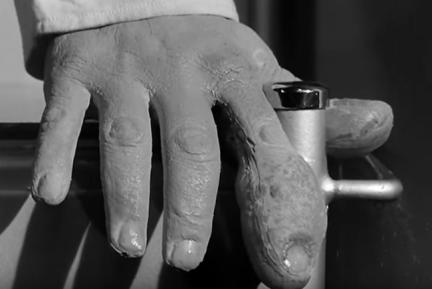 X-the-Unknown-Hammer-1956-mutated-hand