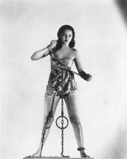Acquanetta-Captive-Wild-Woman-bondage-shot