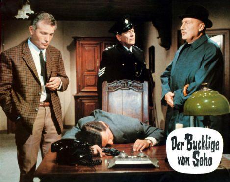 the-hunchback-of-soho-1966-krimi-alfred-vohrer-police-find-dead-body