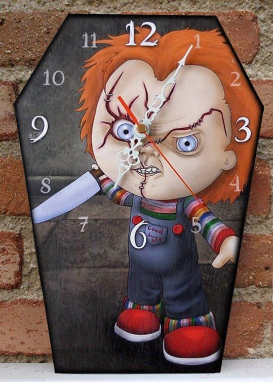 horror-clock-chucky