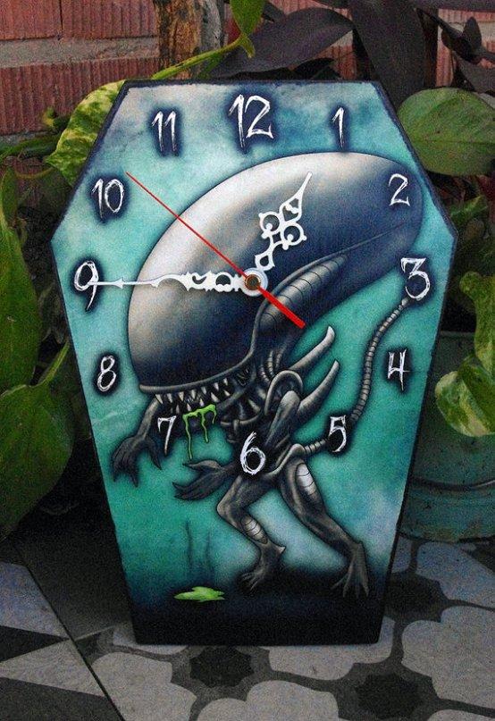 horror-clock-xenomorph-alien