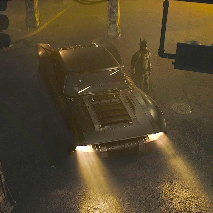 robert-pattinson-batmobile-the-batman-2021.jpg