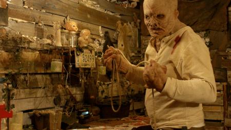 Backwoods-movie-film-horror-slasher-2020-Hangman-deformed-Christian-zealot-noose.jpg