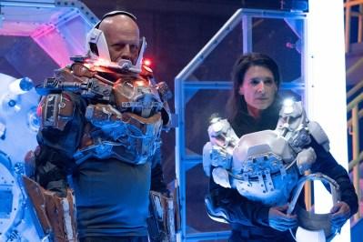 Cosmic-Sin-movie-film-sci-fi-horror-aliens-review-reviews-Bruce-Willis-Perrey-Reeves