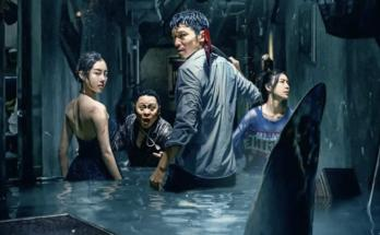 Escape-from-the-Sharks-Mouth-movie-film-action-horror-Chinese-2021-鲨口逃生-poster-detail