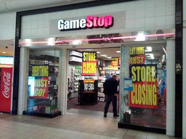 gamestop store closing