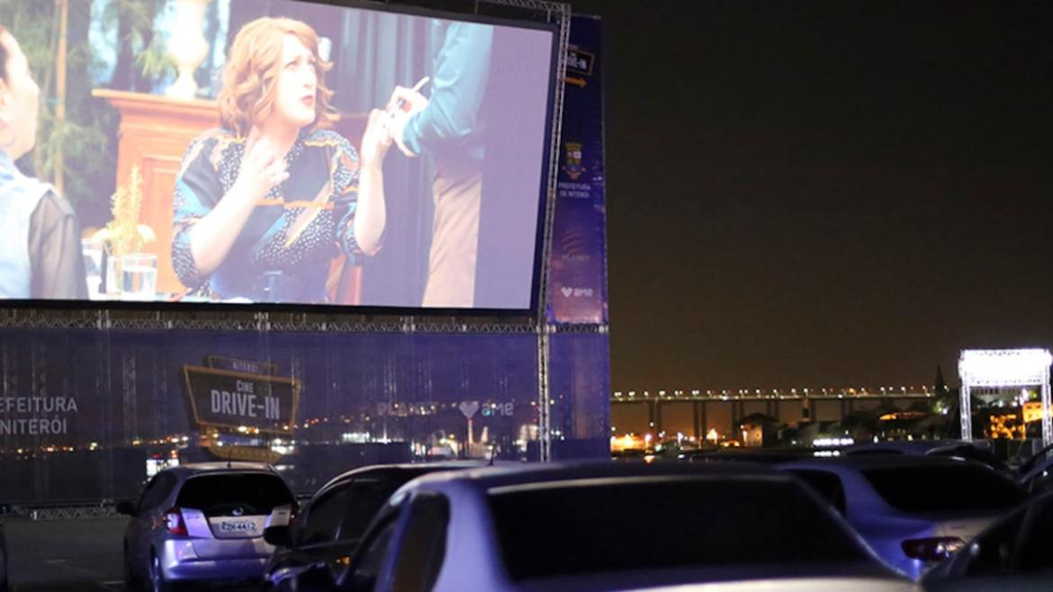 Walmart, Tribeca Partner to Make Pop-Up Drive-in Theaters